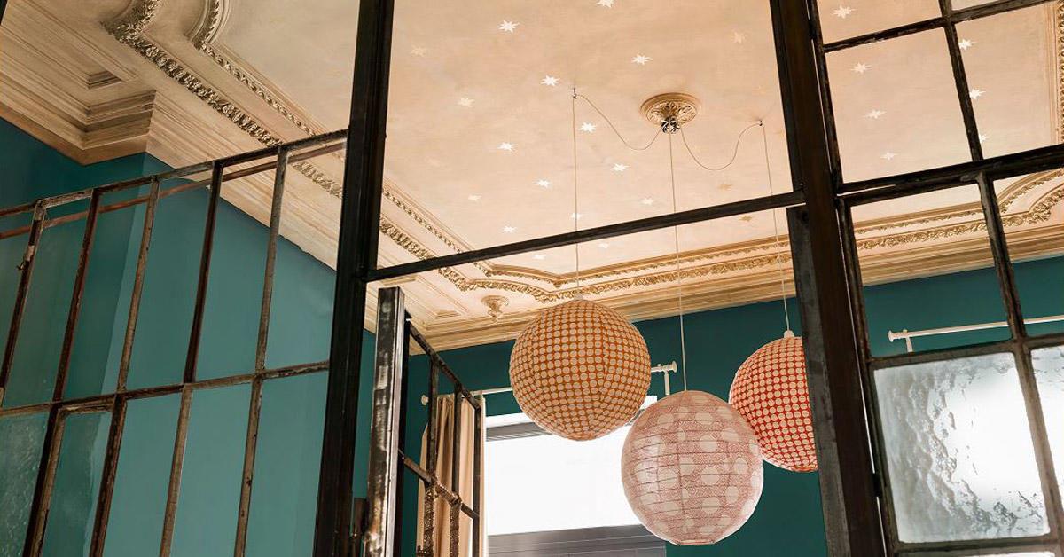 nordsjo-ide-design-hvordan-male-tak-finn-riktig-farge-i-taket
